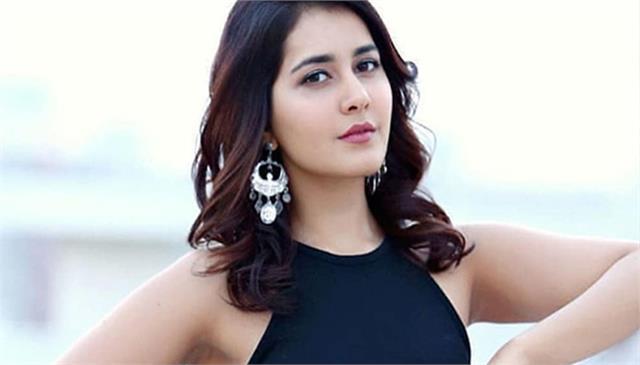 rashi khanna starts new film shooting with dhanush