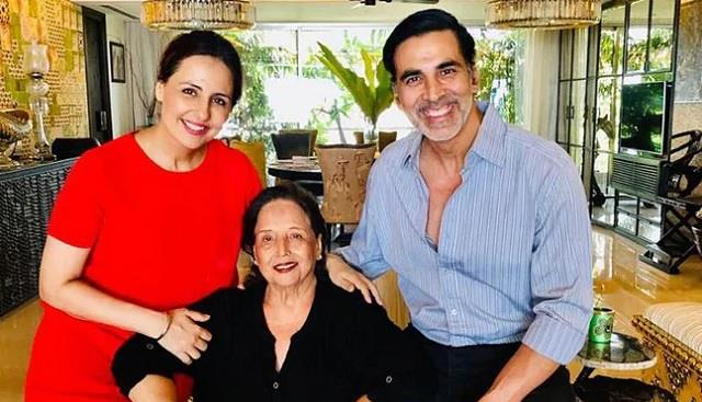 akshay kumar mother unwell actor says pray for her