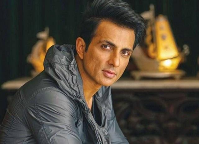 sonu sood tax evasion probe netizens come out in support of the actor