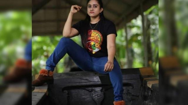 actress nimisha arrested stepping puthukulangara palliyodam wearing footwear