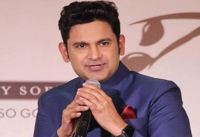 manoj muntashir accused of copying the song  teri mitti