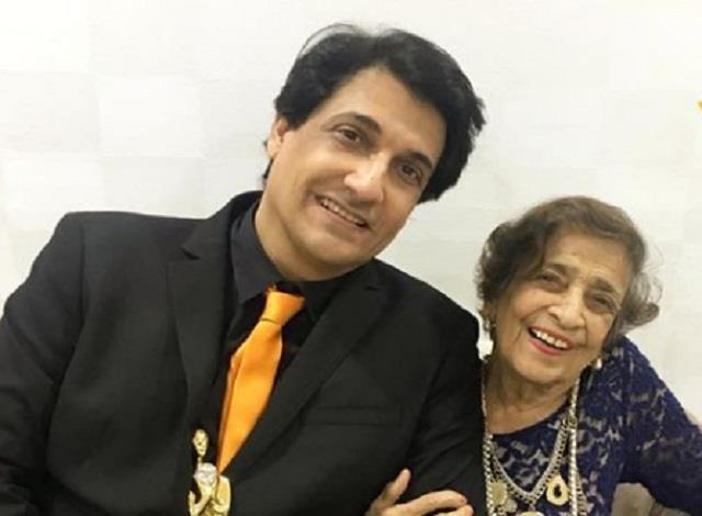 famous choreographer shiamak davar mother puran davar dies