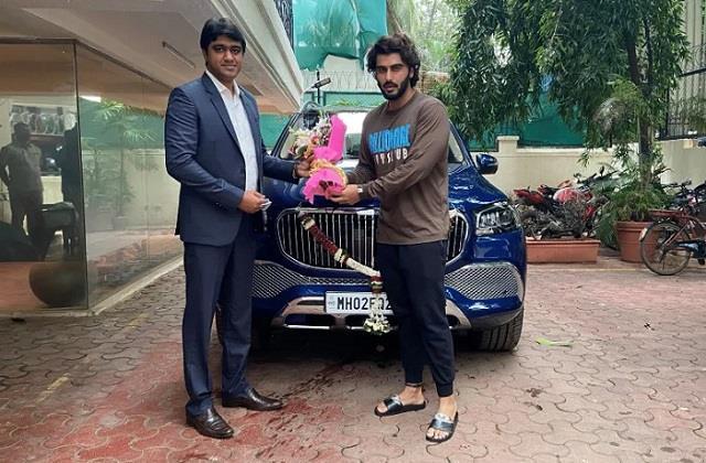 arjun kapoor got new mercedes maybach gls600 suv car