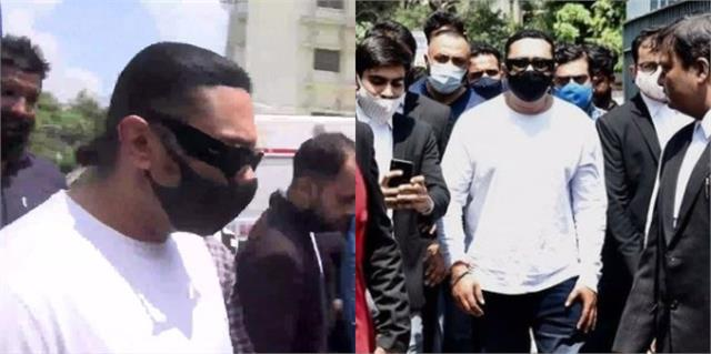 honey singh physically appeared tis hazari court in domestic violence case