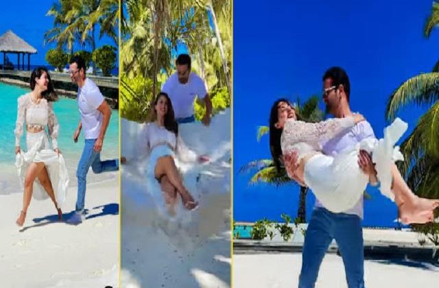hina khan fun with rohit roy in maldives video viral