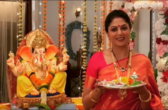 kavita kaushik brings ganpati bappa her home after 5 years